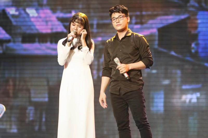 """Học trò Ngọc Sơn hóa thành """"Gái nhà nghèo"""" lấy nước mắt khán giả"""