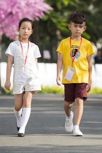 Mẫu nhí hào hứng tập luyện trước thềm Tuần lễ thời trang trẻ em Việt Nam Xuân Hè 2019