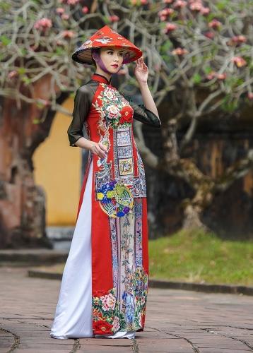 Tôn vinh chất liệu truyền thống để đẩy lùi tơ lụa giả