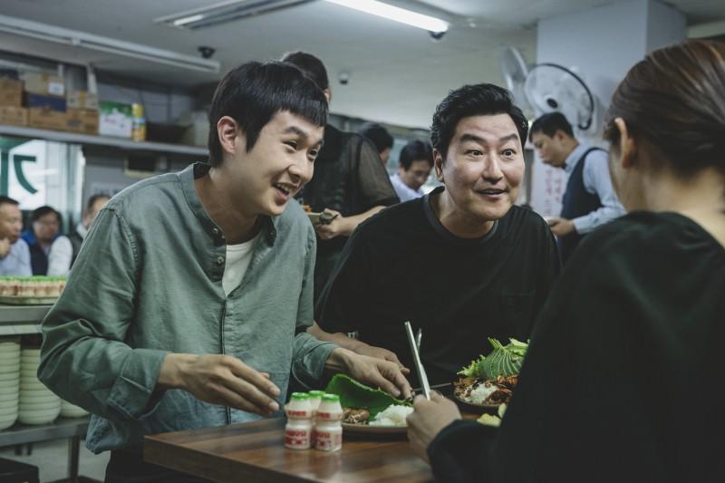 phim moi cua bong joon ho gay sot
