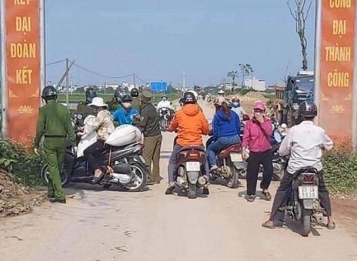 Lập 10 chốt kiểm soát cách ly thôn nơi bệnh nhân số 266 sinh sống, xác định gần 50 người F1