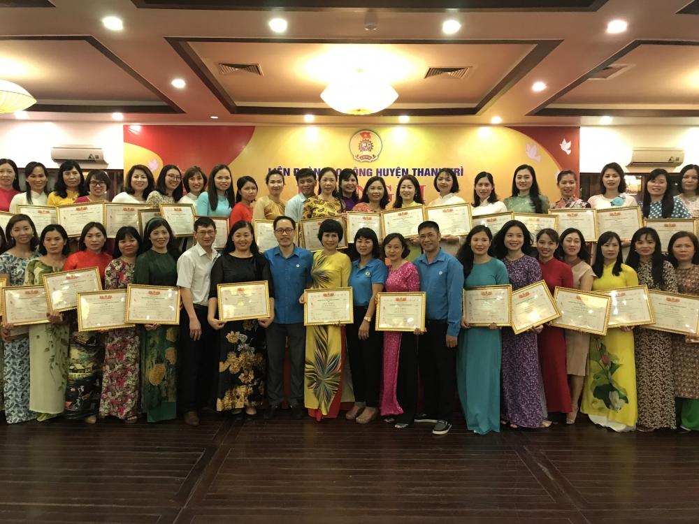 Nữ đoàn viên công đoàn huyện Thanh Trì: Những bông hoa