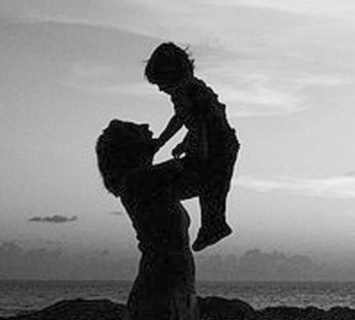 """Bố đã """"quẳng gánh lo"""" sang vai mẹ mà """"vui sống"""""""