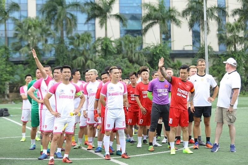 Đại sứ quán Đức tổ chức giao hữu bóng đá từ thiện