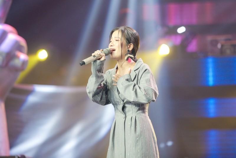 Giọng hát Việt xuất hiện cô gái sở hữu chất giọng 'khủng khiếp'