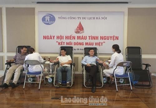 """Xúc động Ngày hội hiến máu """"Kết nối dòng máu Việt"""" tại Tổng Công ty Du lịch Hà Nội"""