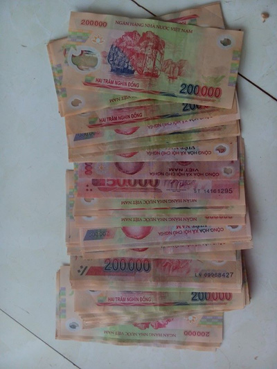 Rút thiếu tiền tại quầy, ngân hàng không trả lại