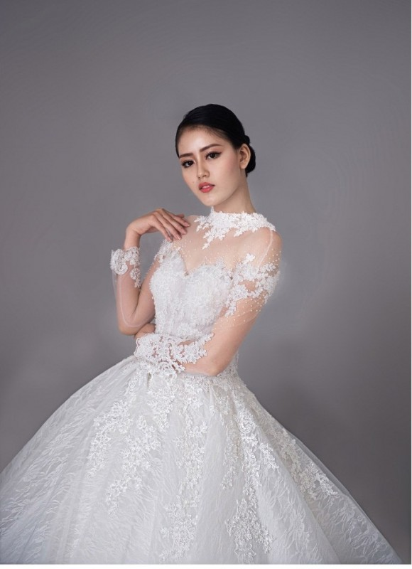 Á hậu Đại dương Đặng Thanh Ngân đẹp hút hồn với váy cưới Elli Bridal
