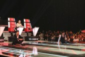 Lam Trường, Noo Phước Thịnh ngồi dài trên sân khấu để tranh giành thí sinh