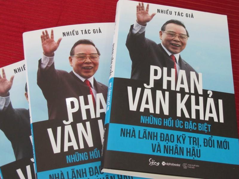 """Ra mắt cuốn sách """"Phan Văn Khải - Nhà lãnh đạo kỹ trị, đổi mới và nhân hậu"""""""