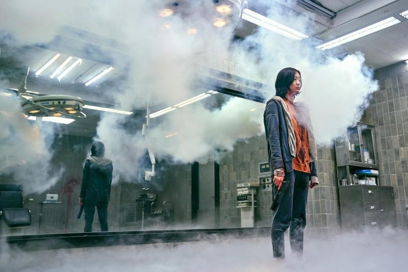 Phim kinh dị về siêu năng lực trở thành ngôi sao phòng vé Hàn Quốc
