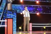 Noo Phước Thịnh lo lắng khi học trò xảy ra sự cố, phải xin hát lại trên sân khấu