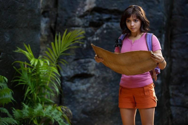 Vẻ đẹp lai Mỹ - Isabela Moner và những lần 'gây sốt' trên màn ảnh