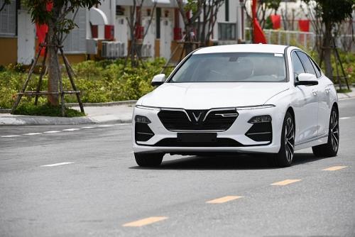 VinFast gia hạn ưu đãi về giá cho xe Lux và Fadil