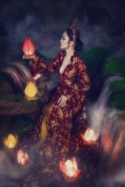"""Hoa khôi Hải Yến đẹp tựa Phú Sát Hoàng Hậu """"Diên hi công lược"""""""