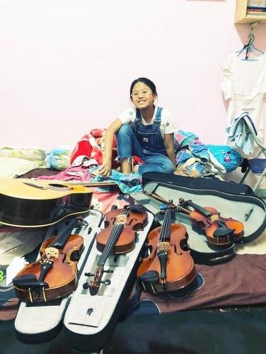 Bảo Hân - cô bé bán bún riêu không chỉ hát hay còn chơi Piano và Violin 'cực đỉnh'