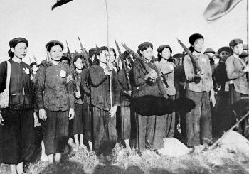 Phụ nữ Việt Nam trong hai cuộc kháng chiến trường kỳ