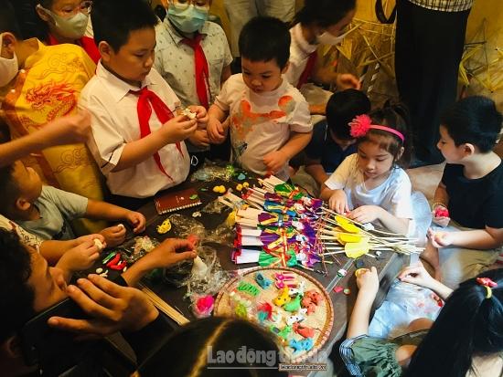 Tết Trung thu truyền thống trong không gian Phố cổ Hà Nội