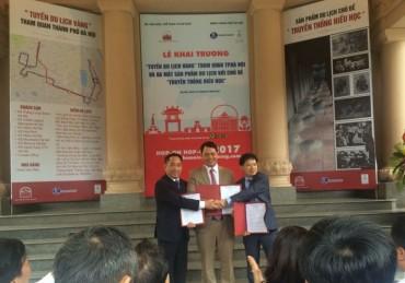 """Hà Nội khai trương """"Tuyến du lịch vàng"""" tham quan thành phố"""