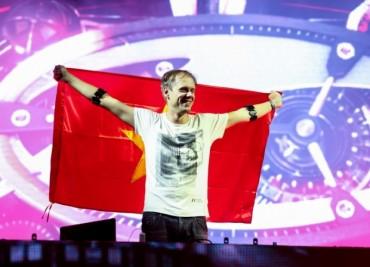 Giữ lời hứa, DJ số một thế giới quay trở lại Việt Nam