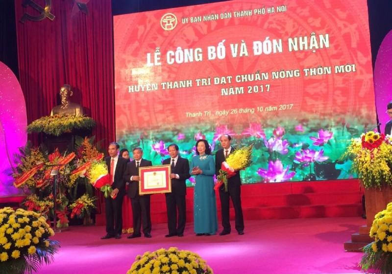 Huyện Thanh Trì đón nhận danh hiệu đạt chuẩn Nông thôn mới