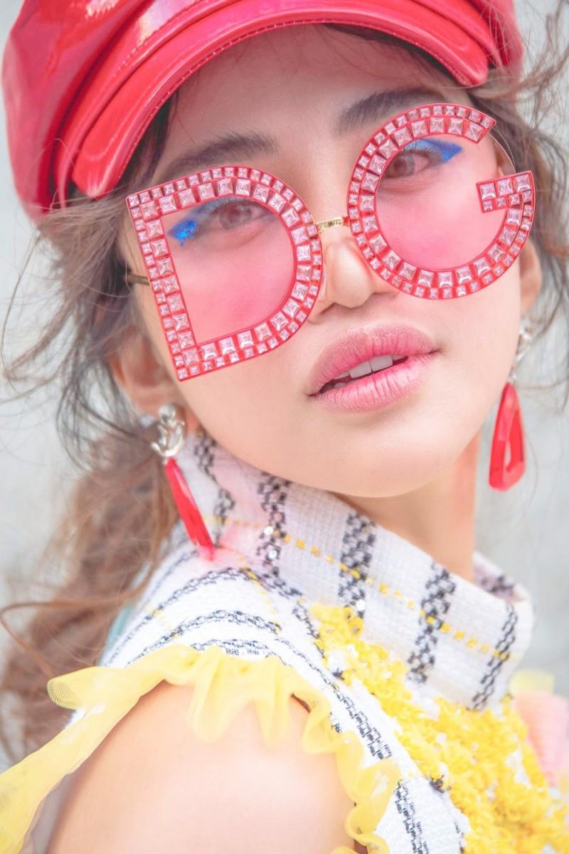 lan dau tham du seoul fashion week nu dien vien thien nga duoc xuong danh tren instagram cua vogue