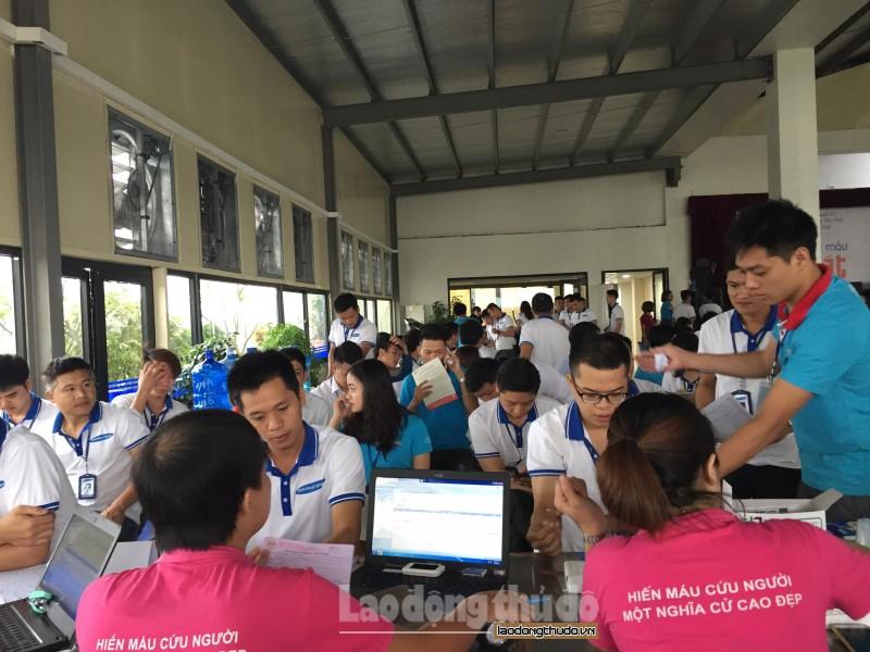 Ngày hội hiến máu tại Thanh Trì: Thu hút đông đảo người lao động tham gia