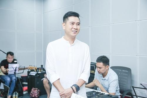 Hồ Hoài Anh cùng Dương Khắc Linh hào hứng tập luyện cùng các thiên thần The Voice Kids