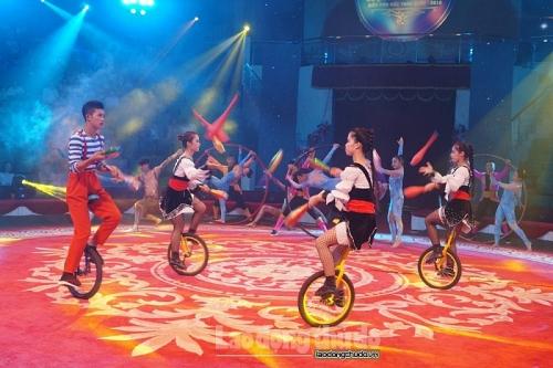 Các nghệ sĩ Xiếc Việt Nam và quốc tế sẽ diễu hành trên phố đi bộ Hồ Gươm