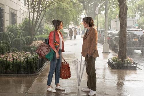 Selena Gomez có cái kết lãng mạn trong phim mới 'Chuyện ngày mưa ở New York'