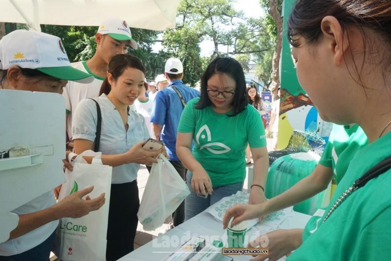 Hà Nội tích cực giảm thiểu chất thải nhựa trong các cơ quan, đoàn thể