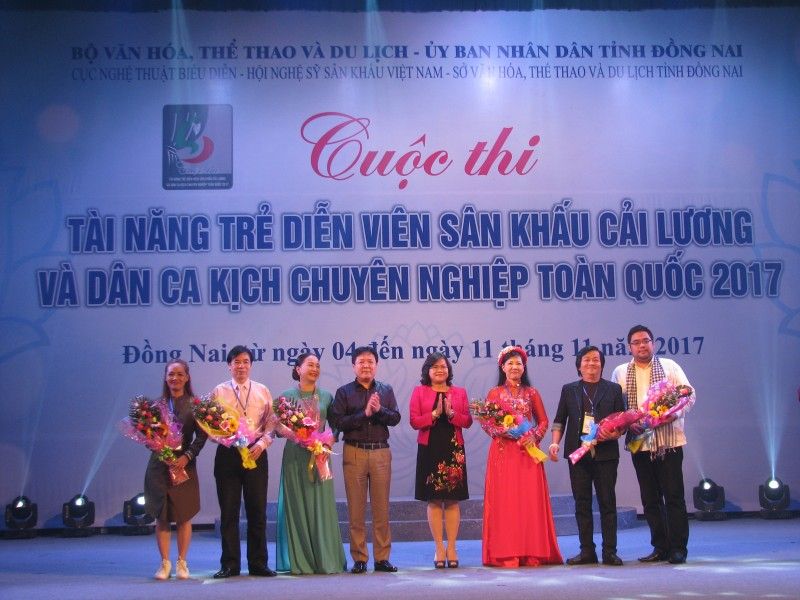 cuoc thi tai nang tre dien vien san khau cai luong va dan ca kich chuyen nghiep toan quoc 2017