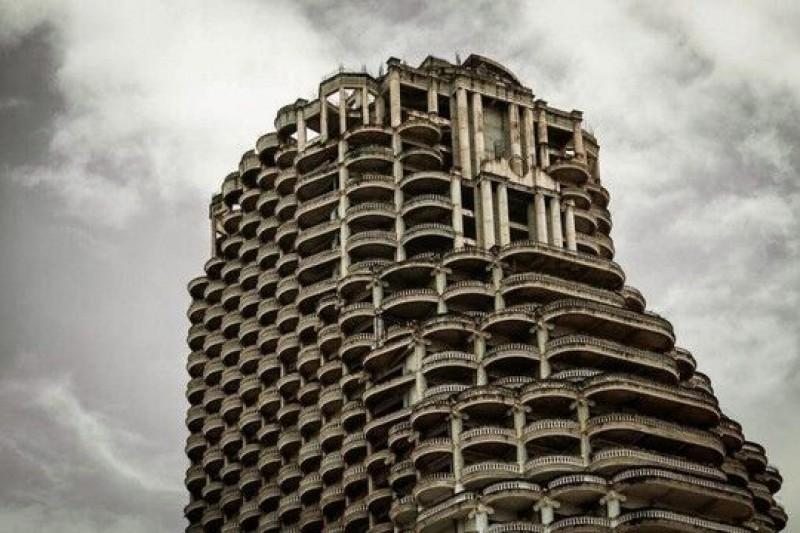 Phim của bậc thầy kinh dị 'Shutter' lấy bối cảnh tòa nhà ma nổi tiếng Thái Lan