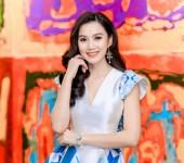 """Diễn viên, họa sĩ Lương Giang xinh đẹp với thời trang hoa văn """"gạch bông"""""""