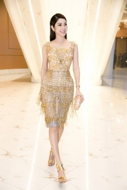 Á hậu Yan My xuất hiện lộng lẫy tại chung kết Miss Photo 2017