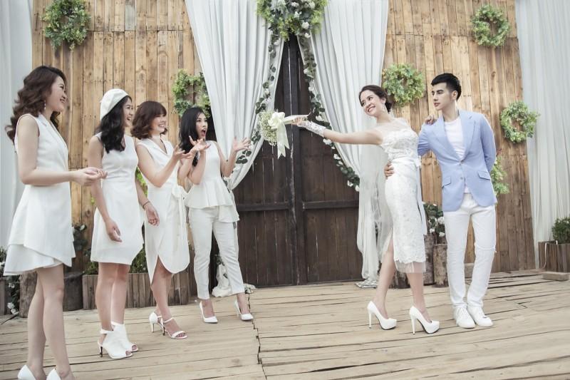 Cách chọn váy cưới sành điệu cho mùa cưới 2017