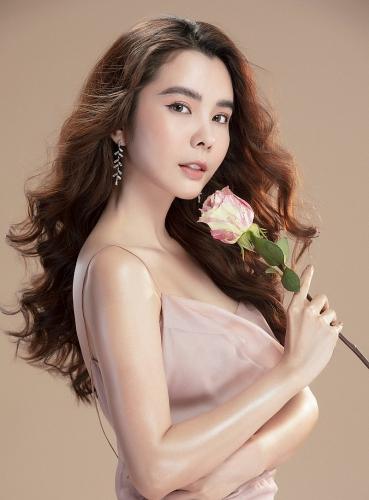 Hoa hậu Huỳnh Vy đẹp rạng ngời trong bộ ảnh đầy khí chất