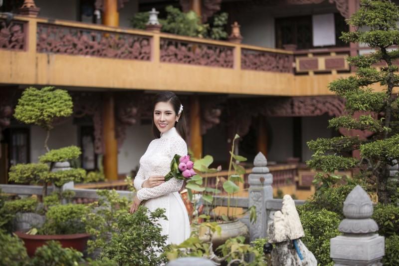 Hoa hậu Dương Yến Nhung giới thiệu vẻ đẹp văn hóa Việt đến bạn bè năm châu