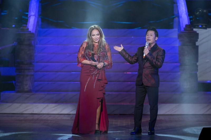 Xúc động đêm nhạc đầu tiên kỷ niệm 70 năm âm nhạc Lam Phương tại Hà Nội