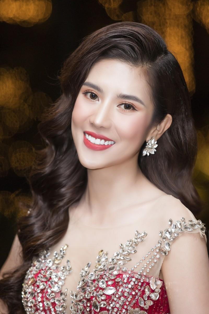 Hoa hậu Dương Yến Nhung mong trở thành đại sứ quảng bá du lịch Việt Nam