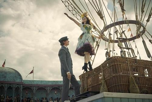 Cặp đôi ấn tượng của điện ảnh Anh quốc tái hợp trong cuộc chiến sinh tử trên không