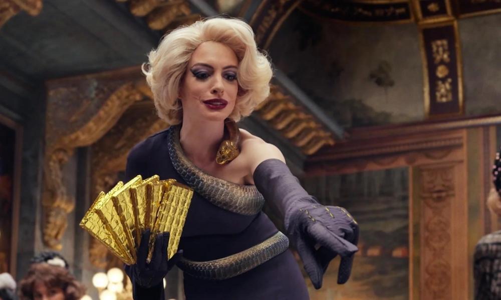 Diễn xuất đỉnh cao của Anne Hathaway trong vai Phù thủy tối thượng