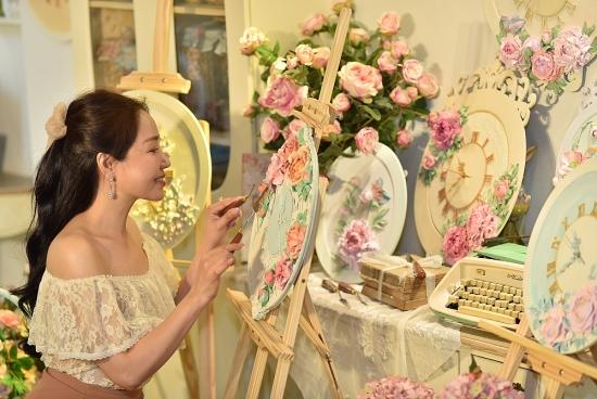 Nghệ sĩ Giáp Vân Khanh lan tỏa nghệ thuật điêu khắc tới giới trẻ Việt