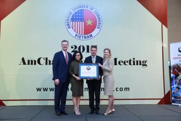 Visa Việt Nam lần thứ hai vinh dự nhận giải thưởng Cống hiến vì cộng đồng