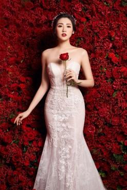 Á hậu Tú Anh lộng lẫy trong bộ váy cưới xa hoa 3 tỷ đồng