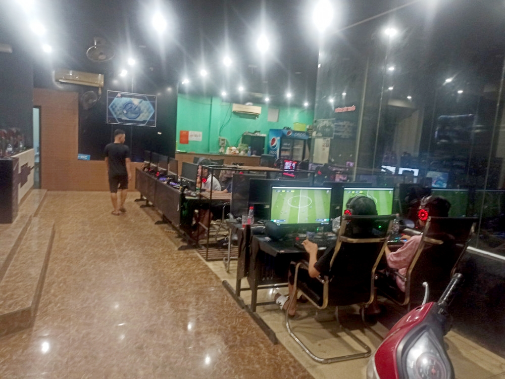 Bất chấp dịch bệnh, 2 quán game online ở Hà Tĩnh vẫn lén lút hoạt động