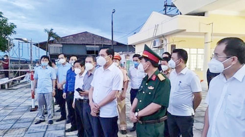 Chuyến tàu đặc biệt chở 800 công dân Hà Tĩnh đã về đến quê hương