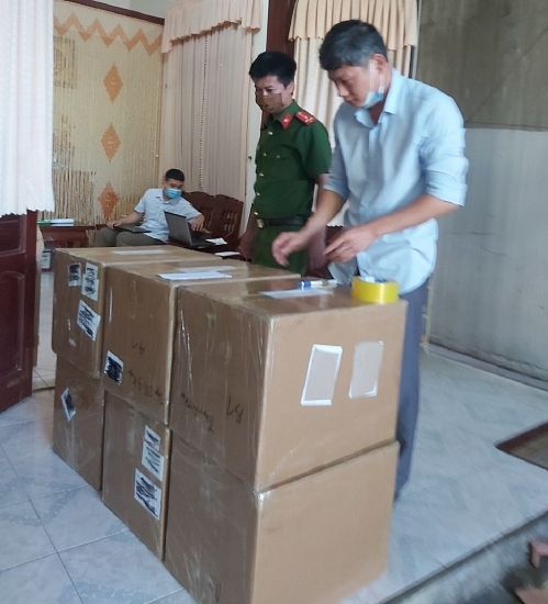 Nghệ An: Tạm giữ 18.500 dụng cụ test nhanh Covid-19 không có giấy tờ hợp pháp