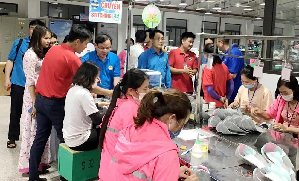 Thu kinh phí công đoàn qua tài khoản trung gian ở Nghệ An: Khó khăn chỉ là bước đầu