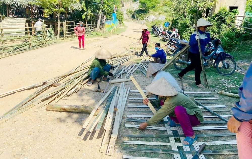 Nghệ An: Những căn nhà lá dựng bằng nghĩa đồng bào